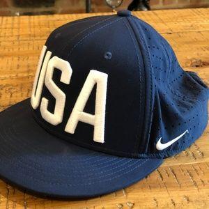 Nike USA dri-fit Snapback